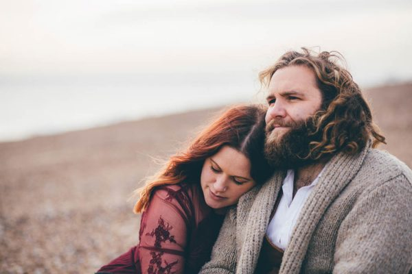 were-obsessed-with-the-bohemian-vibes-in-this-southsea-beach-engagement-hayley-savage-photography-2