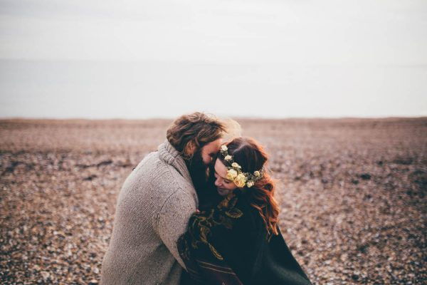 were-obsessed-with-the-bohemian-vibes-in-this-southsea-beach-engagement-hayley-savage-photography-3