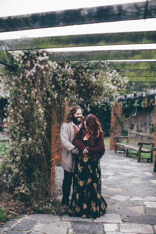 were-obsessed-with-the-bohemian-vibes-in-this-southsea-beach-engagement-hayley-savage-photography-6