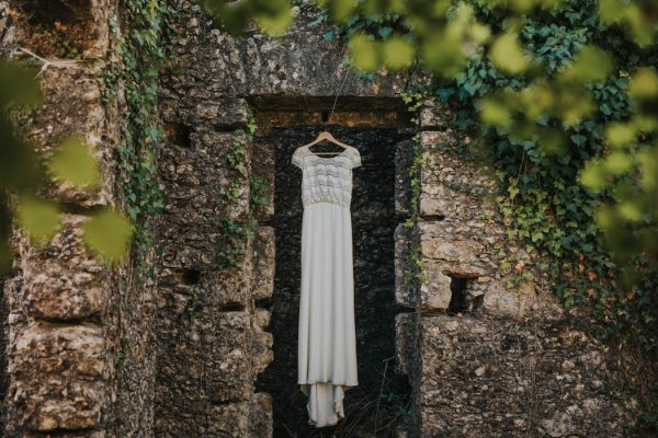 wild-wedding-inspiration-in-portuguese-castle-ruins-my-fancy-wedding-40