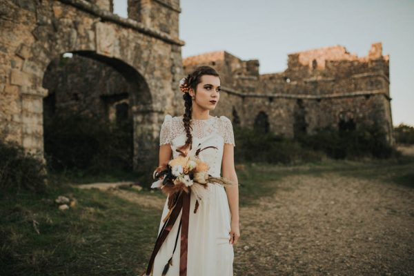 wild-wedding-inspiration-in-portuguese-castle-ruins-my-fancy-wedding-9