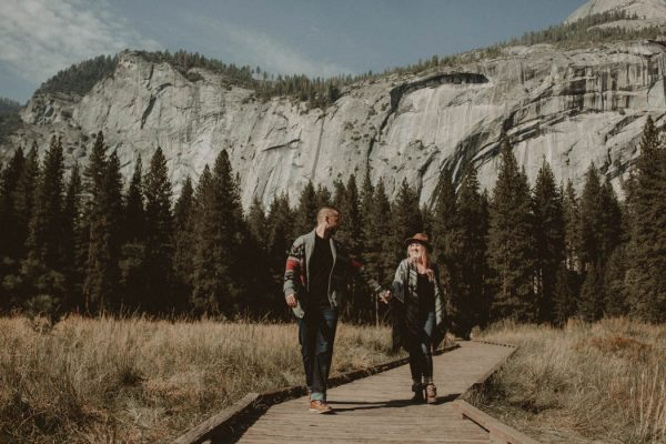 youll-love-the-epic-cuddles-in-this-yosemite-engagement-session-marcela-pulido-photography-10