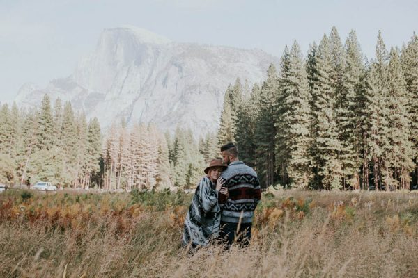 youll-love-the-epic-cuddles-in-this-yosemite-engagement-session-marcela-pulido-photography-16