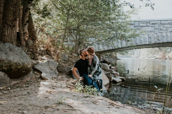 youll-love-the-epic-cuddles-in-this-yosemite-engagement-session-marcela-pulido-photography-19