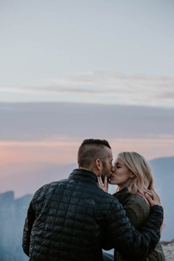 youll-love-the-epic-cuddles-in-this-yosemite-engagement-session-marcela-pulido-photography-31