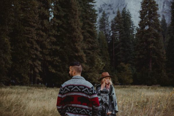 youll-love-the-epic-cuddles-in-this-yosemite-engagement-session-marcela-pulido-photography-6