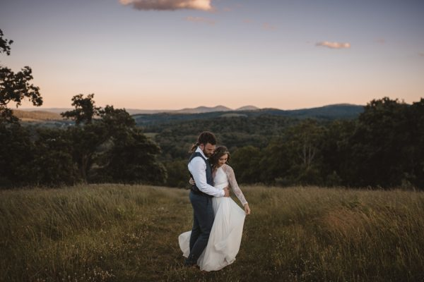 backyard-elopement-in-the-virginia-countryside-4