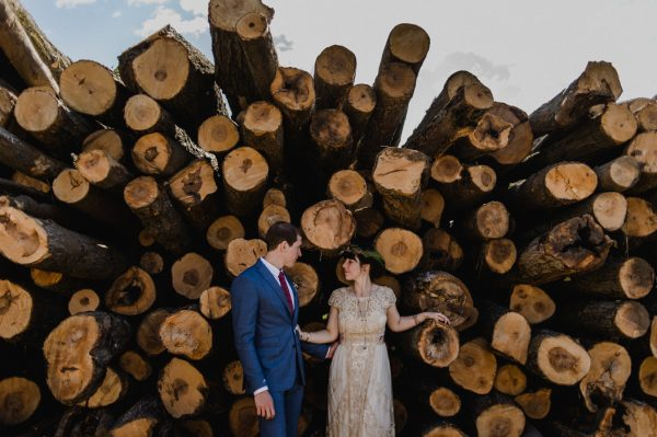 casual-and-intimate-ontario-wedding-at-ainslie-wood-conservation-area-14