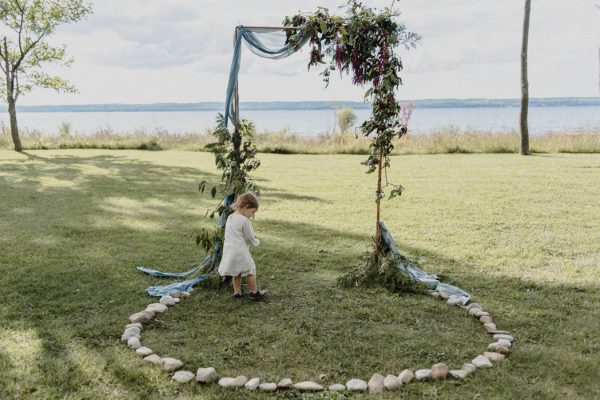 casual-and-intimate-ontario-wedding-at-ainslie-wood-conservation-area-25