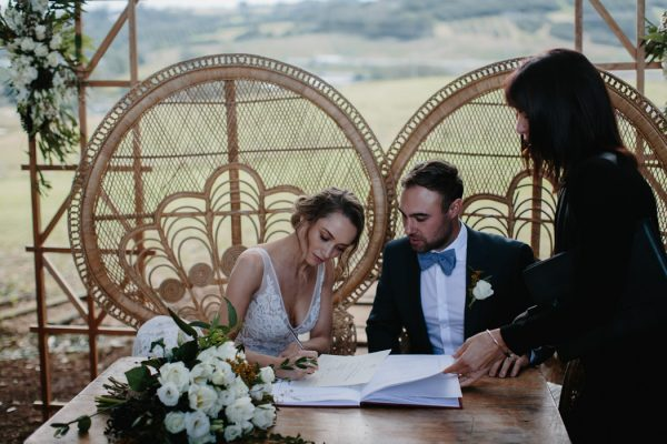 chic-barn-wedding-at-graciosa-byron-bay-17