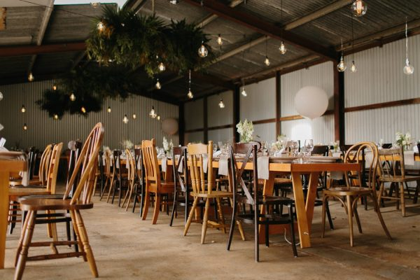 chic-barn-wedding-at-graciosa-byron-bay-21