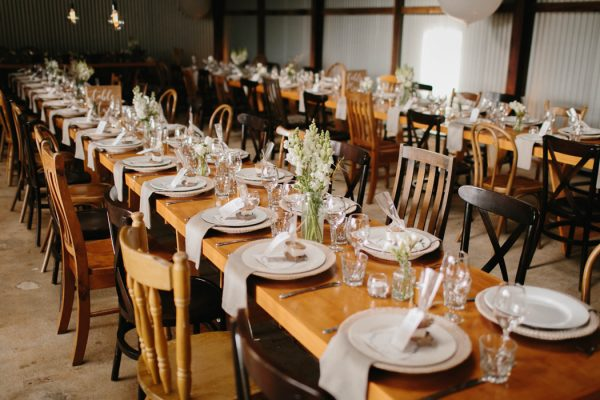 chic-barn-wedding-at-graciosa-byron-bay-22