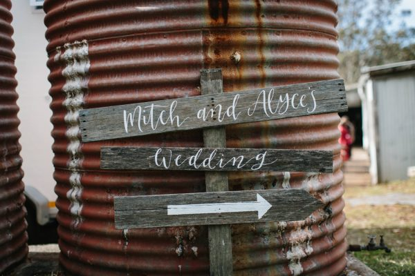 chic-barn-wedding-at-graciosa-byron-bay-23