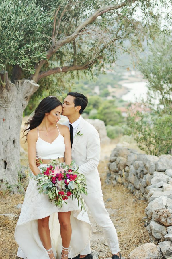 chic-tropical-greek-wedding-in-porto-germeno-31