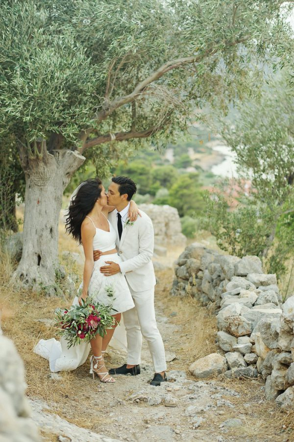 chic-tropical-greek-wedding-in-porto-germeno-37