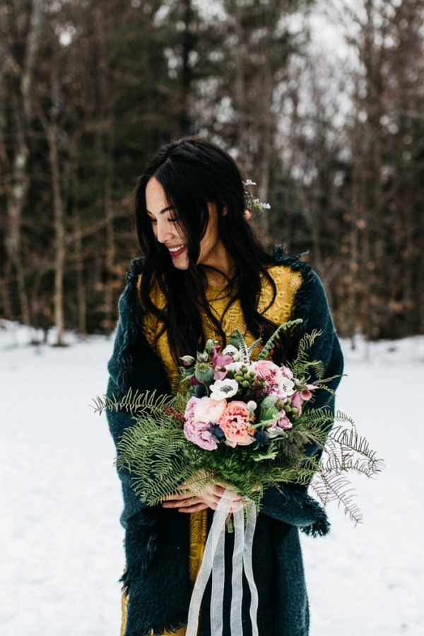 cozy-alternative-fall-wedding-inspiration-in-snowy-vermont-42-600x900