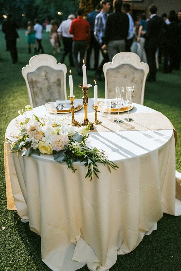 elegant simple sweetheart table