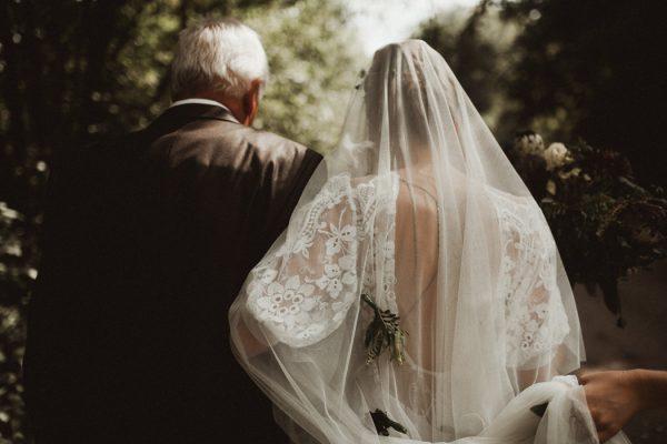 eccentric-netherlands-festival-wedding-at-paviljoen-het-buitenhuis-20