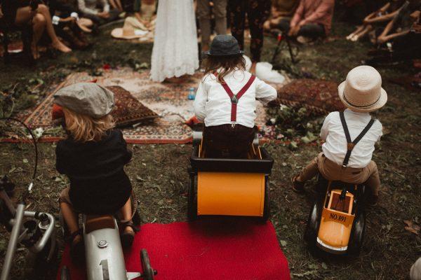 eccentric-netherlands-festival-wedding-at-paviljoen-het-buitenhuis-26