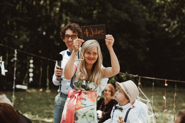 eccentric-netherlands-festival-wedding-at-paviljoen-het-buitenhuis-30