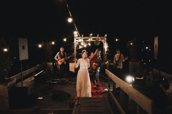 eccentric-netherlands-festival-wedding-at-paviljoen-het-buitenhuis-46