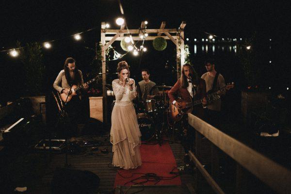 eccentric-netherlands-festival-wedding-at-paviljoen-het-buitenhuis-48
