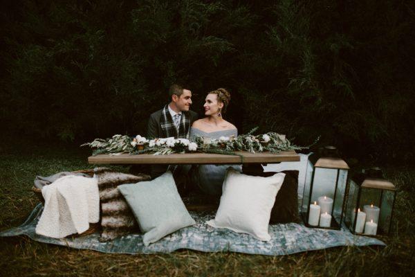 fashionably-cozy-winter-wedding-inspiration-10