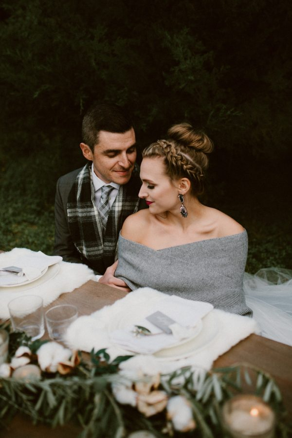 fashionably-cozy-winter-wedding-inspiration-9