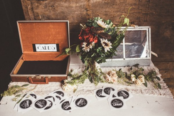 glamorous-upstate-new-york-barn-wedding-at-handsome-hollow-12