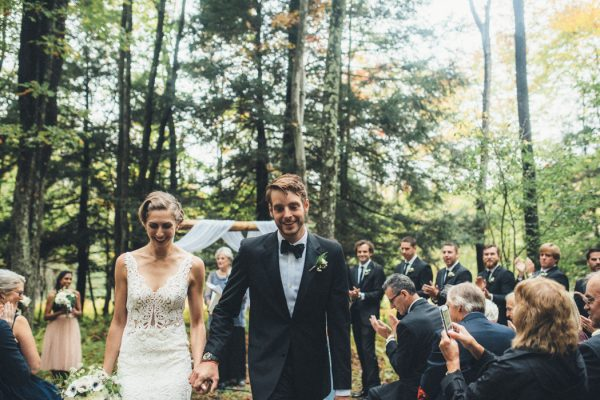 glamorous-upstate-new-york-barn-wedding-at-handsome-hollow-19