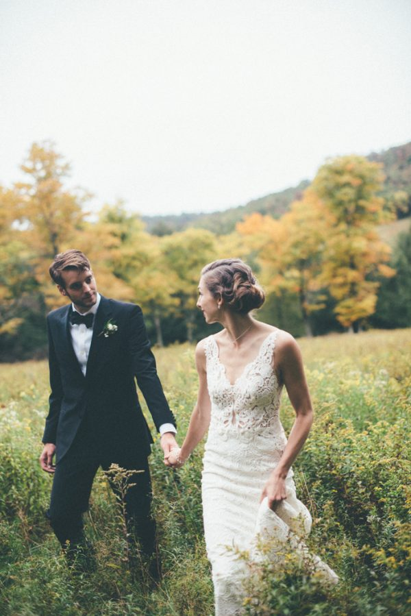 glamorous-upstate-new-york-barn-wedding-at-handsome-hollow-22
