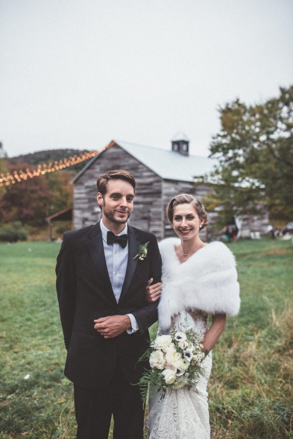 glamorous-upstate-new-york-barn-wedding-at-handsome-hollow-29