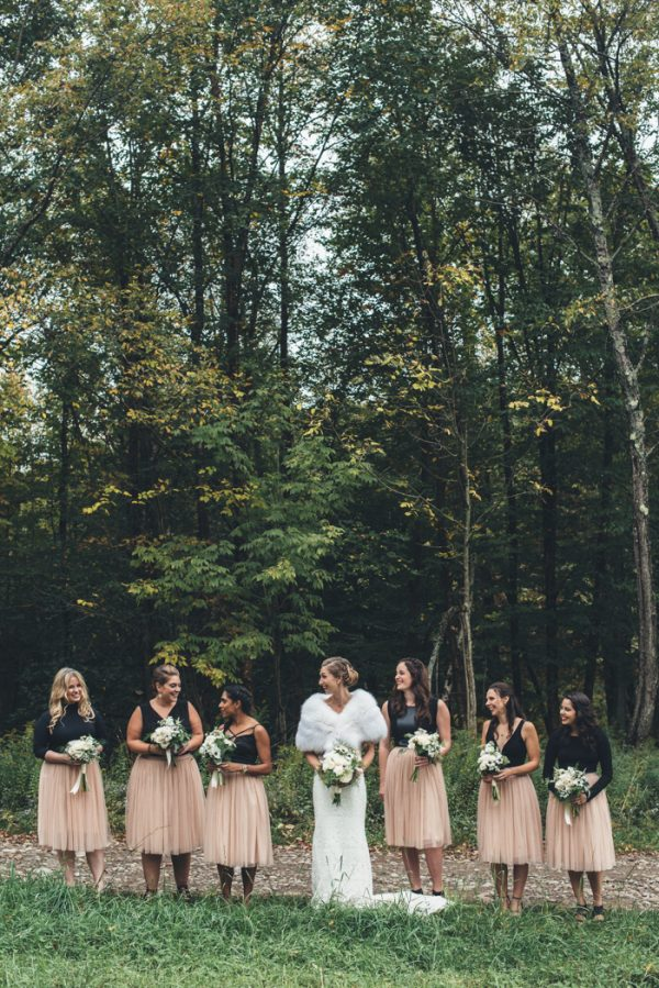 glamorous-upstate-new-york-barn-wedding-at-handsome-hollow-8