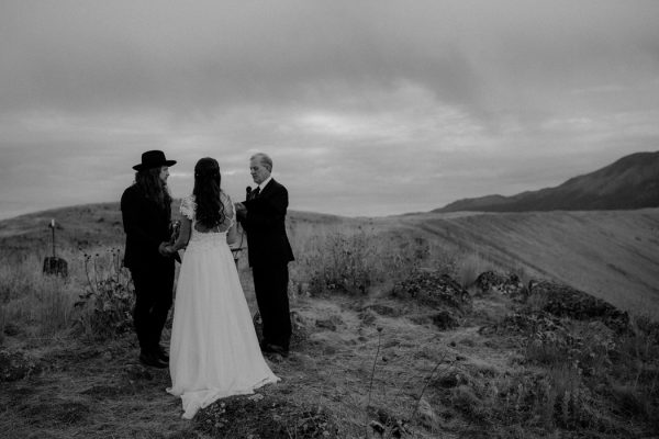 heartfelt-oregon-wedding-at-wallowa-lake-46