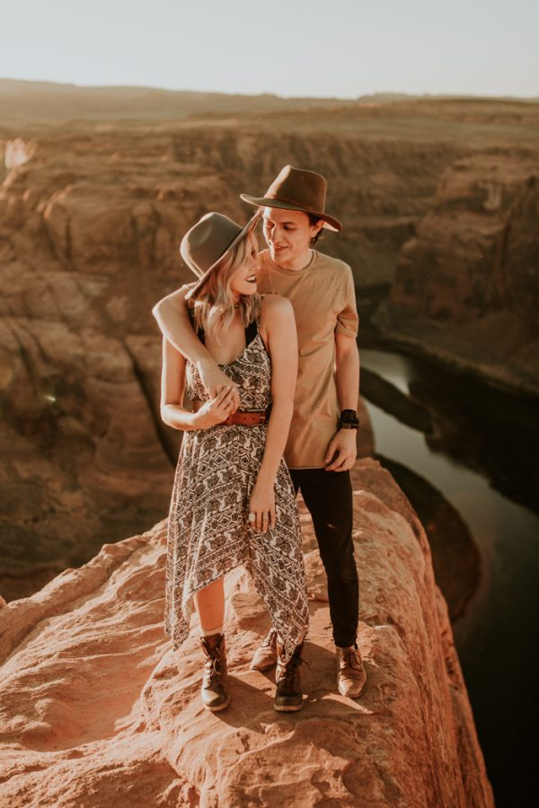 jaw-dropping-destination-engagement-session-at-horseshoe-bend-19