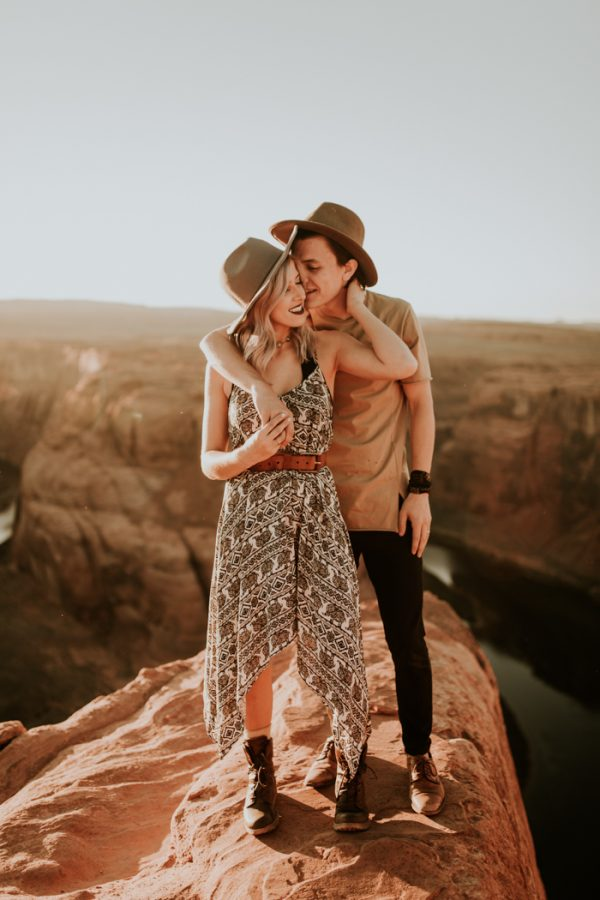 jaw-dropping-destination-engagement-session-at-horseshoe-bend-20