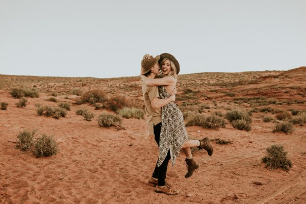 jaw-dropping-destination-engagement-session-at-horseshoe-bend-25