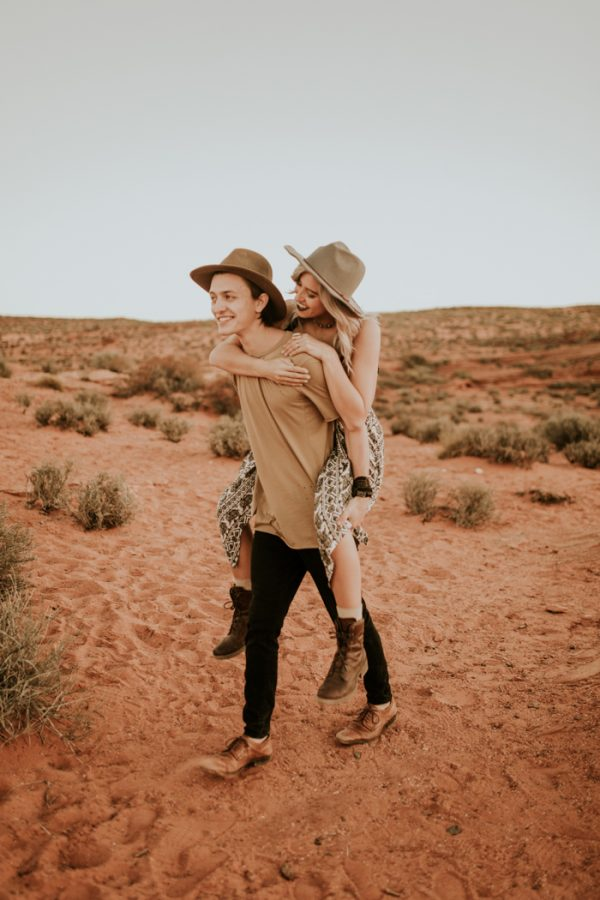 jaw-dropping-destination-engagement-session-at-horseshoe-bend-28