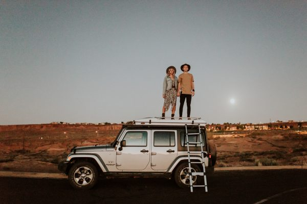 jaw-dropping-destination-engagement-session-at-horseshoe-bend-32