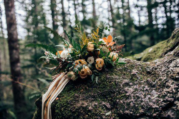 lush-rattlesnake-ridge-elopement-14