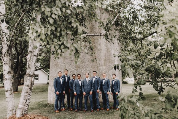 romantic-and-rustic-minnesota-wedding-at-mayowood-stone-barn-11