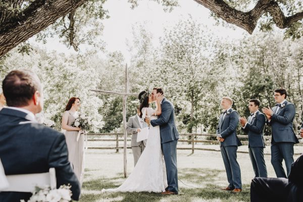 romantic-and-rustic-minnesota-wedding-at-mayowood-stone-barn-17