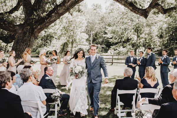 romantic-and-rustic-minnesota-wedding-at-mayowood-stone-barn-18