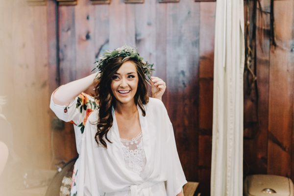 romantic-and-rustic-minnesota-wedding-at-mayowood-stone-barn-2