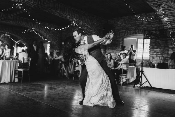 romantic-and-rustic-minnesota-wedding-at-mayowood-stone-barn-28