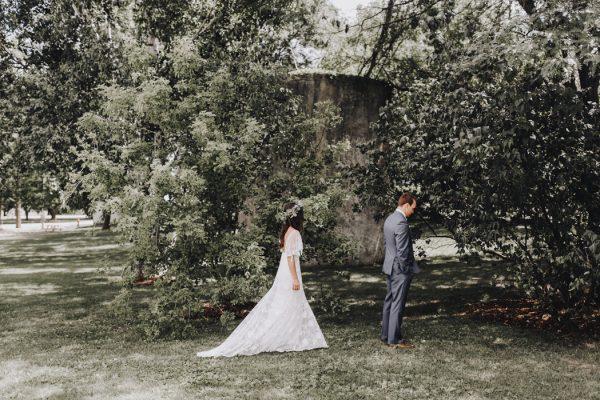 romantic-and-rustic-minnesota-wedding-at-mayowood-stone-barn-3
