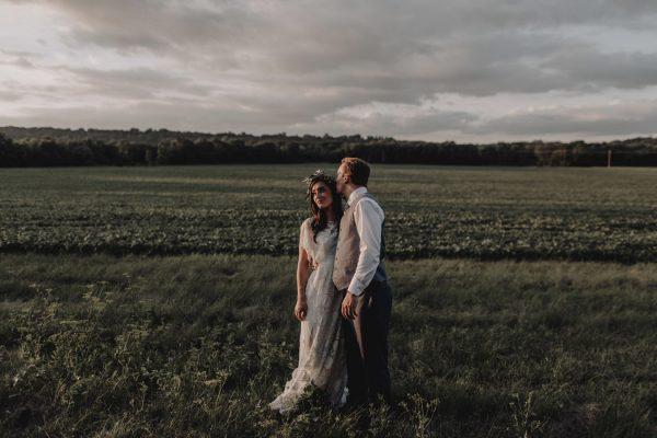 romantic-and-rustic-minnesota-wedding-at-mayowood-stone-barn-31
