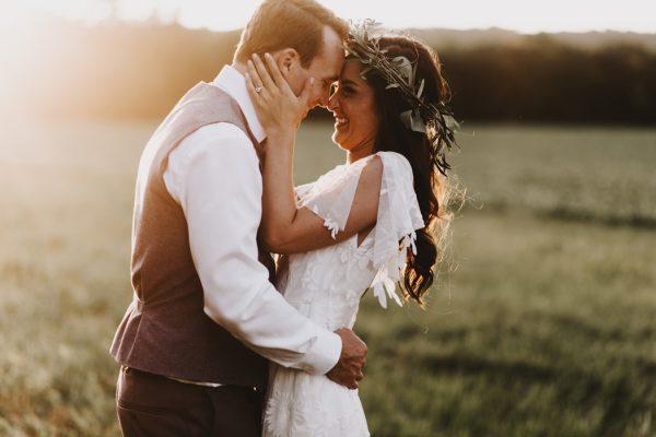 romantic-and-rustic-minnesota-wedding-at-mayowood-stone-barn-32