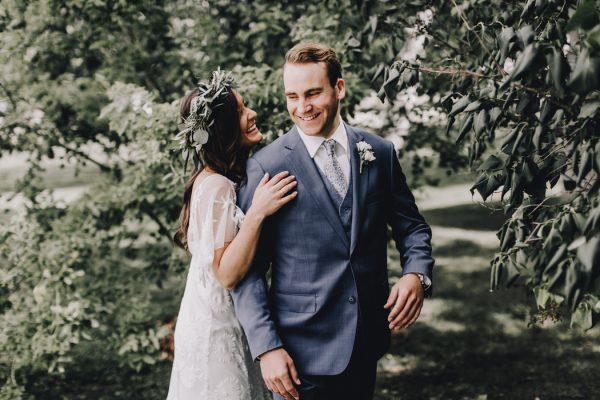 romantic-and-rustic-minnesota-wedding-at-mayowood-stone-barn-4