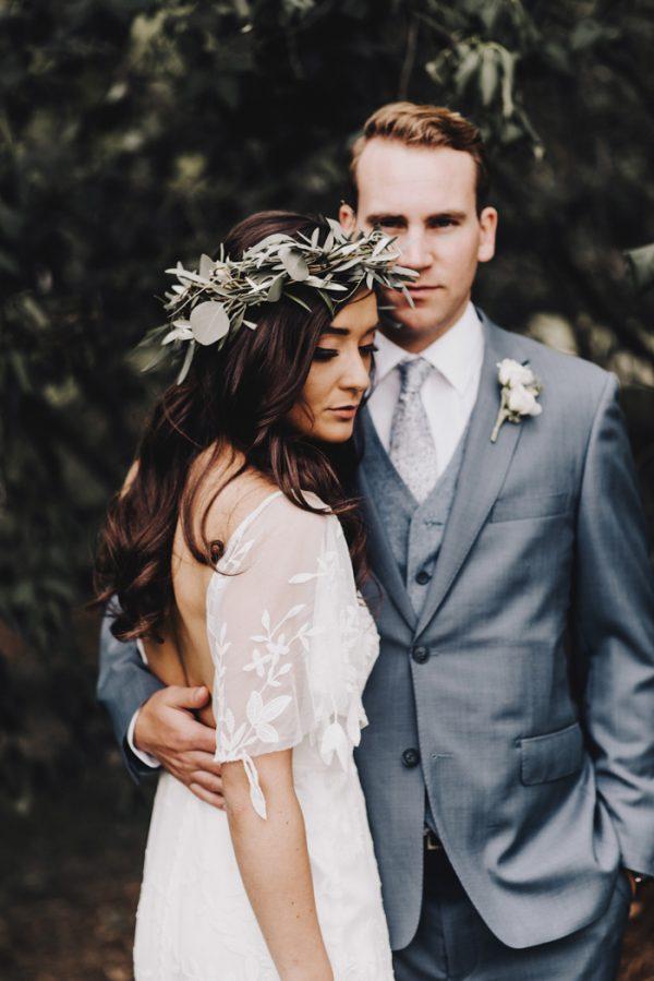 Romantic And Rustic Minnesota Wedding At Mayowood Stone